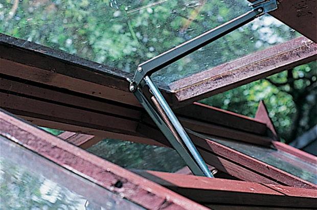 deschizator automat ferestre sere solarii montare pasul4